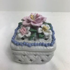 Vintage White Floral Basket Ceramic Trinket Box